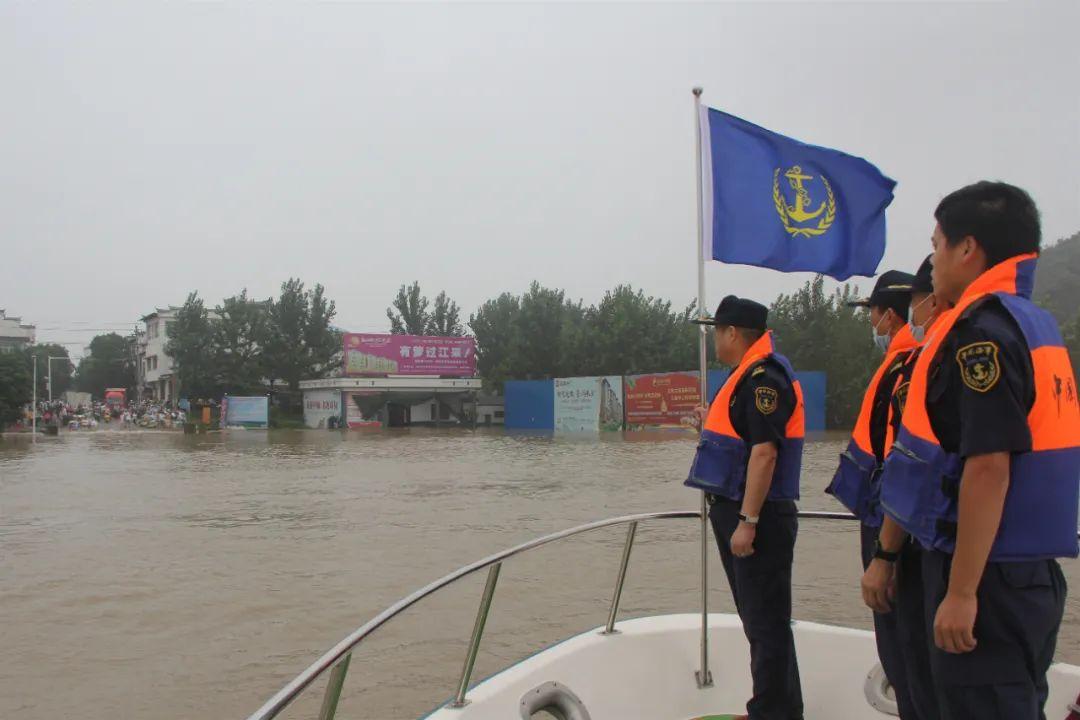 禁止任何船舶顶岸停泊!长江九江段实施水上交通管制
