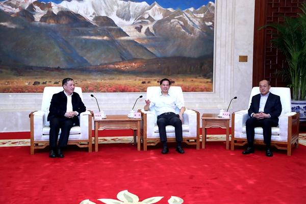 云南省与上海交通大学签署合作协议