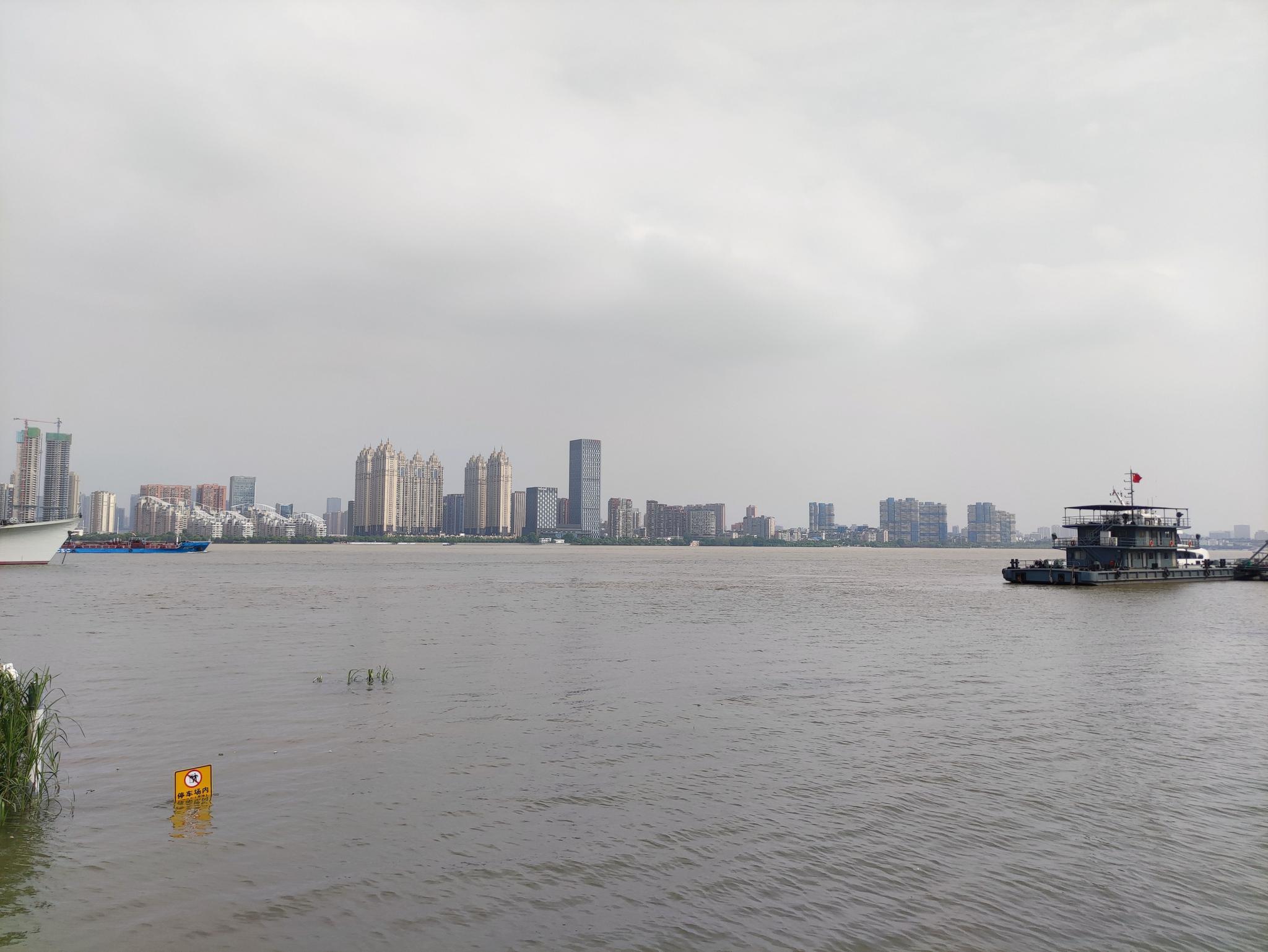 「杏悦」部分区域水位持续下杏悦降沿江全线戒图片
