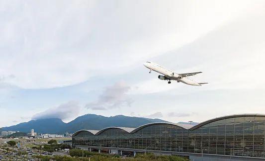 香港国际机场目前暂不为出发地或目的地为中国内地的旅客提供中转服务