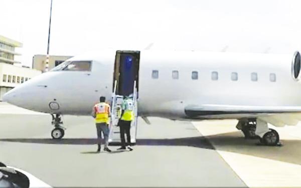 270万!35小时!台州商人包机回国