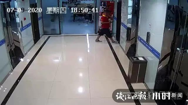 偶遇漂亮女主播,杭州小伙一通操作后猛扇自己耳光:冲动是魔鬼啊