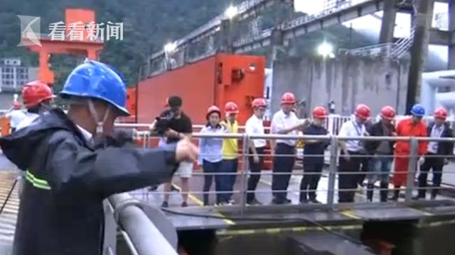 视频|江苏太湖加大泄洪流量 行洪沿岸加强巡防图片
