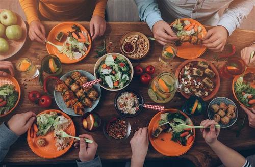 """阿里、腾讯、美团""""聚餐"""":餐饮SaaS市场沦为巨头饭局?"""