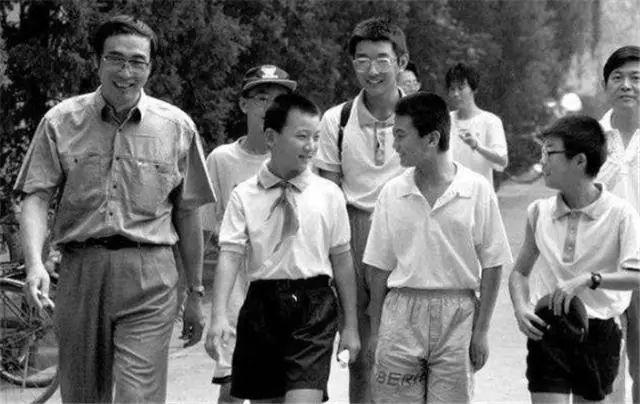 中国天才尹希:入美国国籍,32岁成哈佛教授,为何拒绝回国发展?