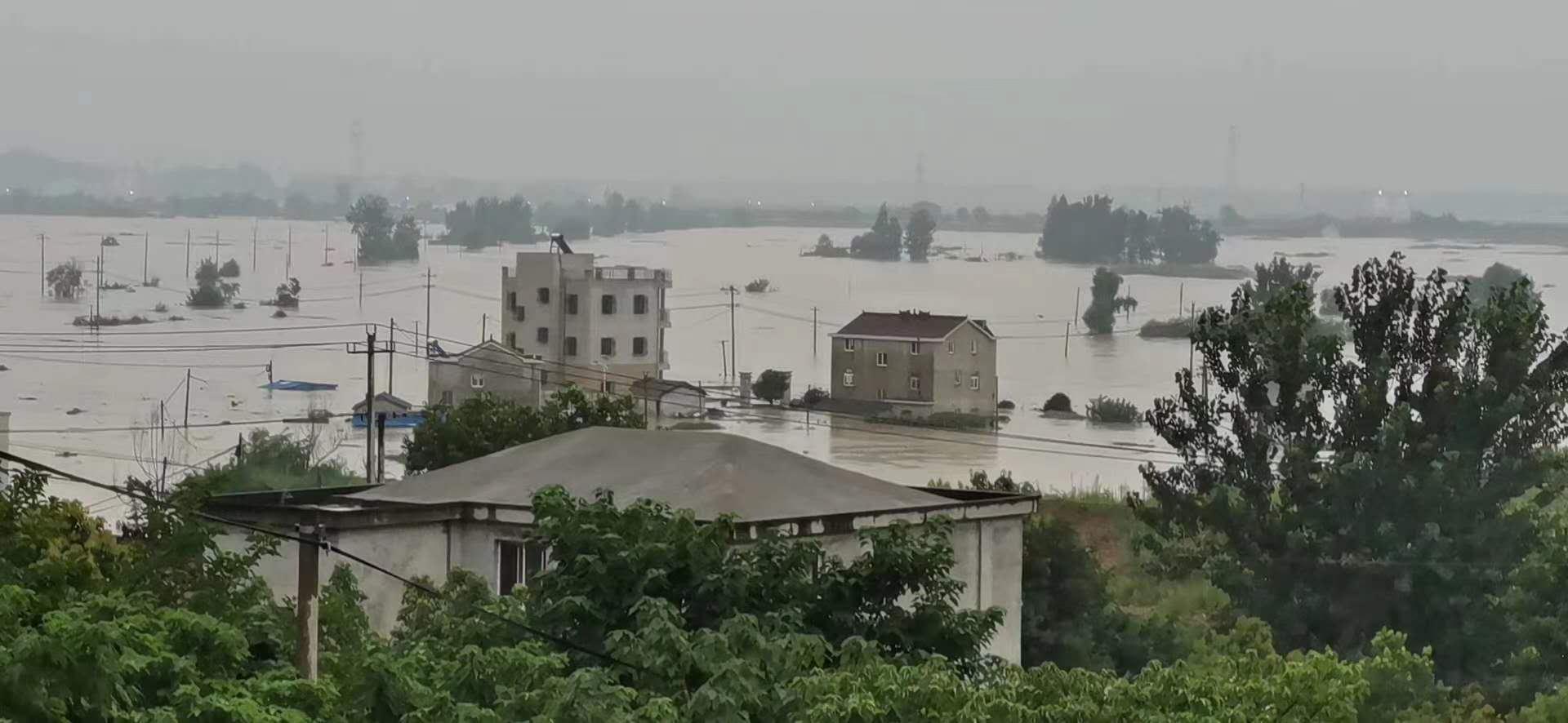 7月16日下昼,安徽枞阳连合圩溃破。 受访者 供图