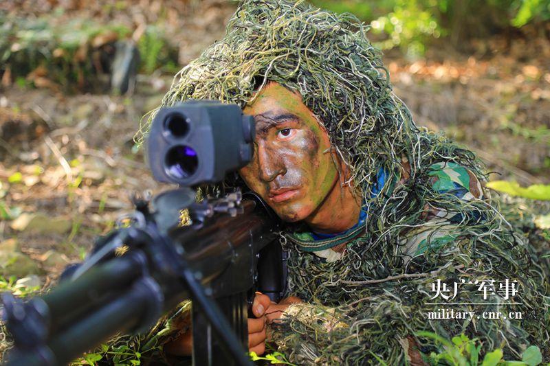 """""""猎人""""对决,荒野争锋!看海军陆战队某旅狙击手集训(图)"""