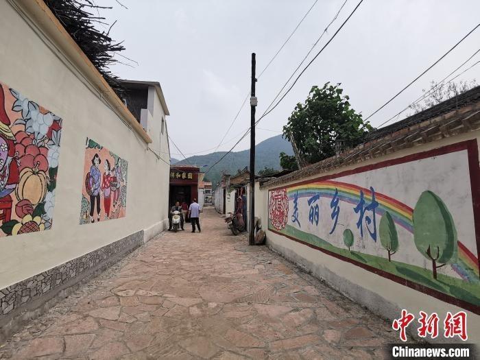 泽城村位于太行旅游板块的中心地带,依托清漳河水资源和麻田红色革命文化,具有发展乡村旅游的优势条件。 杨杰英 摄