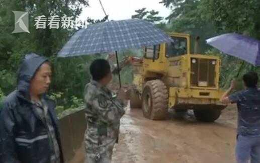 「杏悦」|四川宣汉连续强降雨公路杏悦损图片