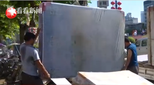 杏悦:频|湖北恩施积水清退清淤杏悦工图片