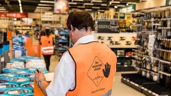 明年底荷兰预计新增十万人领取失业金,近三分之一中小企业申请延期交税