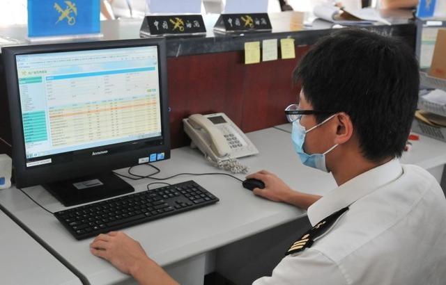 """青岛海关:出口货物原产地证书实现虚拟审签""""纸黄金""""最快1分钟到手"""
