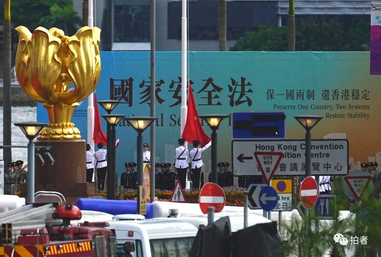 摩天代理巡游巴士花车直摩天代理击庆祝香港回归图片