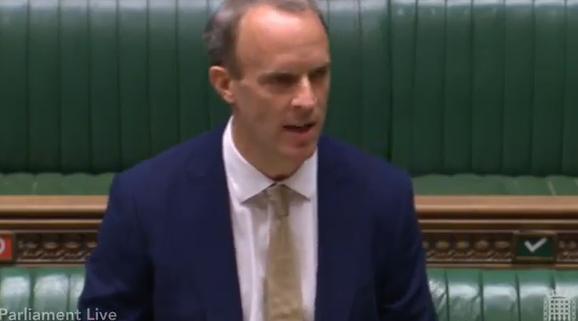 英国外相向议员作报告,视频截图