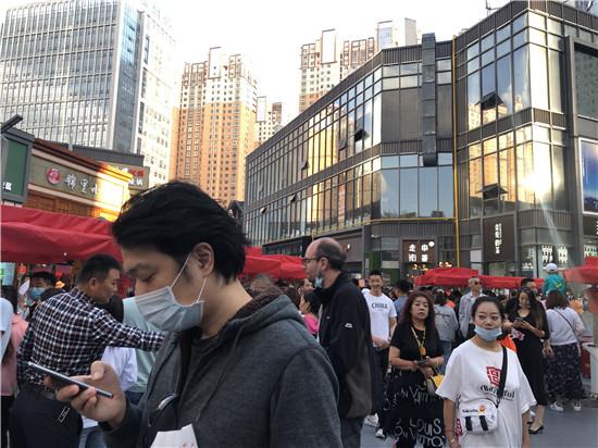 美食节主会场 刘沛然 摄