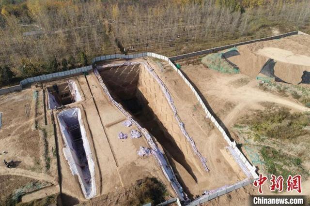 西安白鹿原发现西汉早期大型墓葬 其中出土2200余枚玉衣片
