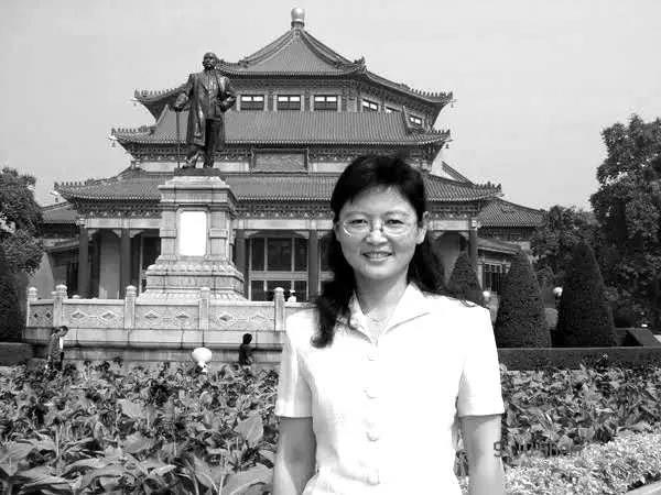 杏悦,学者南京大学近代史教授陈蕴茜今日杏悦凌晨图片