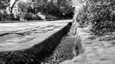 北京香山公园大修乾隆年间引水渠