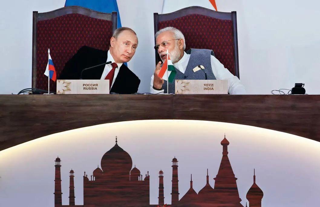 ▲资料图片:2016年10月15日,在印度果阿,印度总理莫迪(右)与俄罗斯总统普京在合作协议和谅解备忘录的换文仪式上交谈。