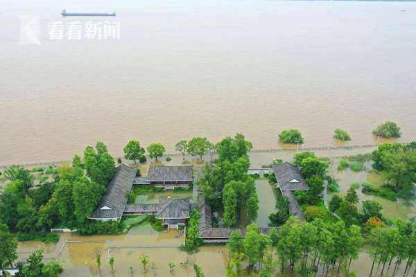股票配资:太湖持续高水位93股票配资条河流图片
