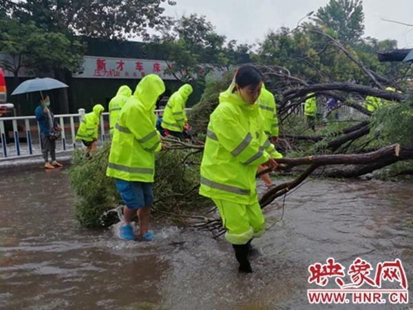"""闻一闻""""洪水"""" 让洛河花园的人们迎着风"""