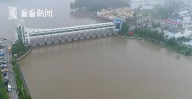 视频 安徽王家坝闸闭闸 暂停向蓄洪区进洪图片