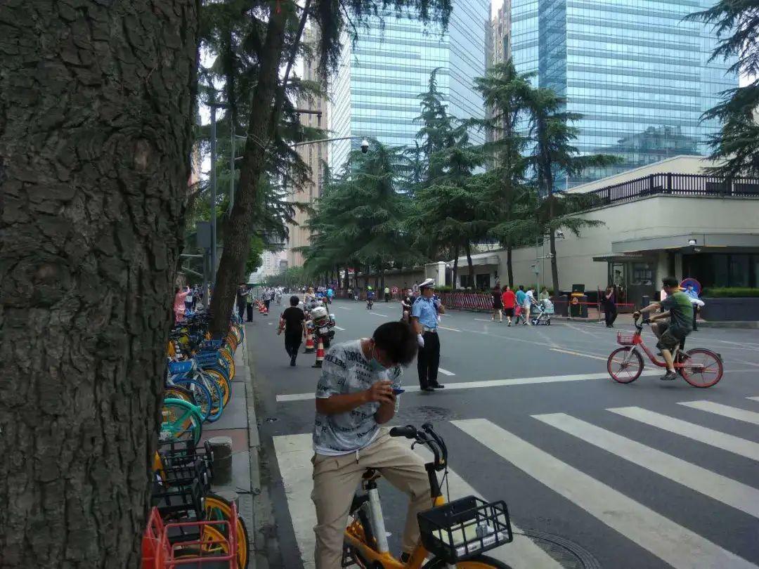 成都美领馆前领事馆路街景,拍照:飞光