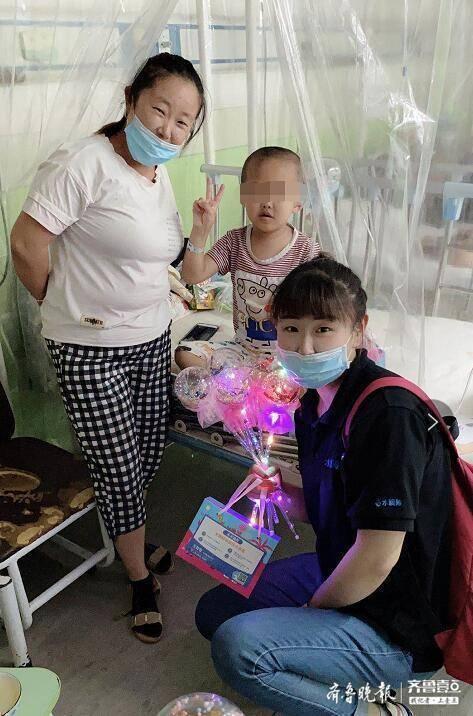 整个楼层都是血液病的孩子,她一个举动救活了一个家庭