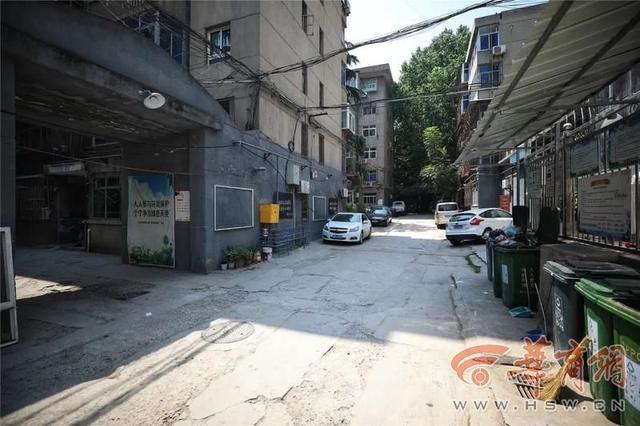 """让""""1+1+1>3""""韩森寨街道首次尝试和创新""""拆墙并院"""""""