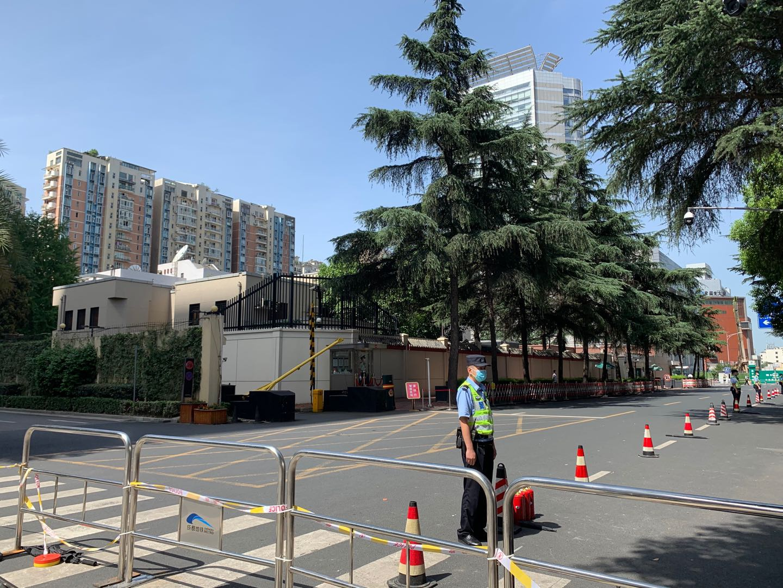 7月26日,成都领事馆路已关闭,社会车辆需绕行。