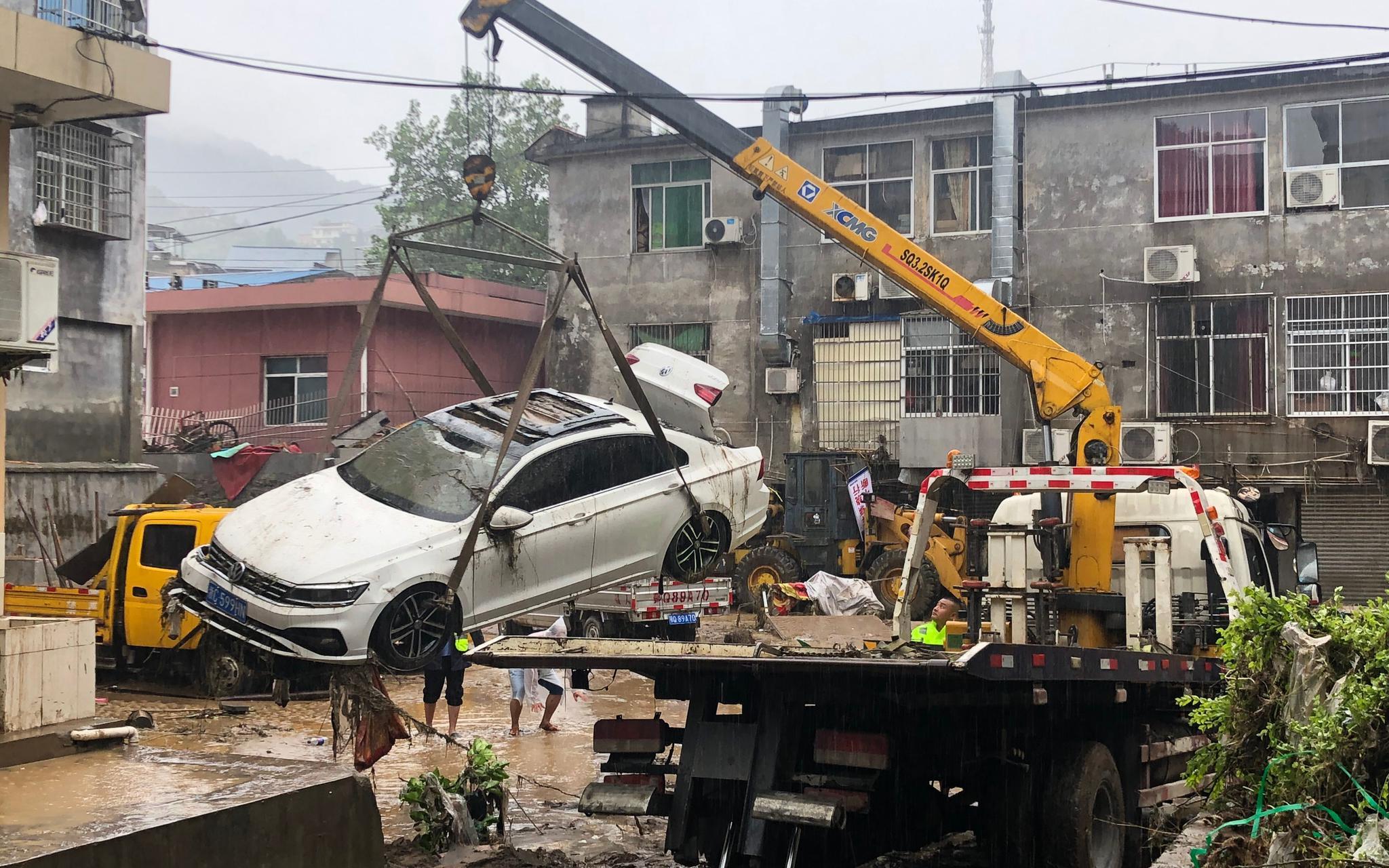 「杏悦」恩施建始县居民楼被淹逾杏悦2米水位现已回落图片