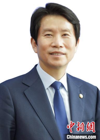 韩总统任命新的统一部长官 在野党抵制