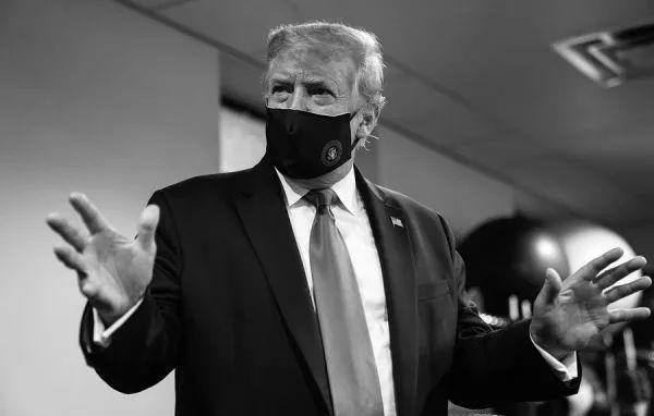▲7月20日,特朗普在推特上发布的自己戴口罩的照片。