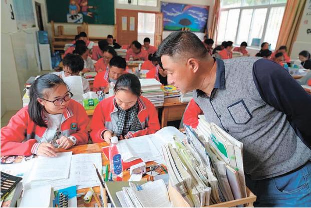 云南海安班高考实现新突破 学生高考成绩首次进入全省100名
