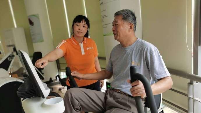 """残疾人康复是专业技术活,上海这个街道的社区康健苑点,怎么做到""""软硬兼施"""""""