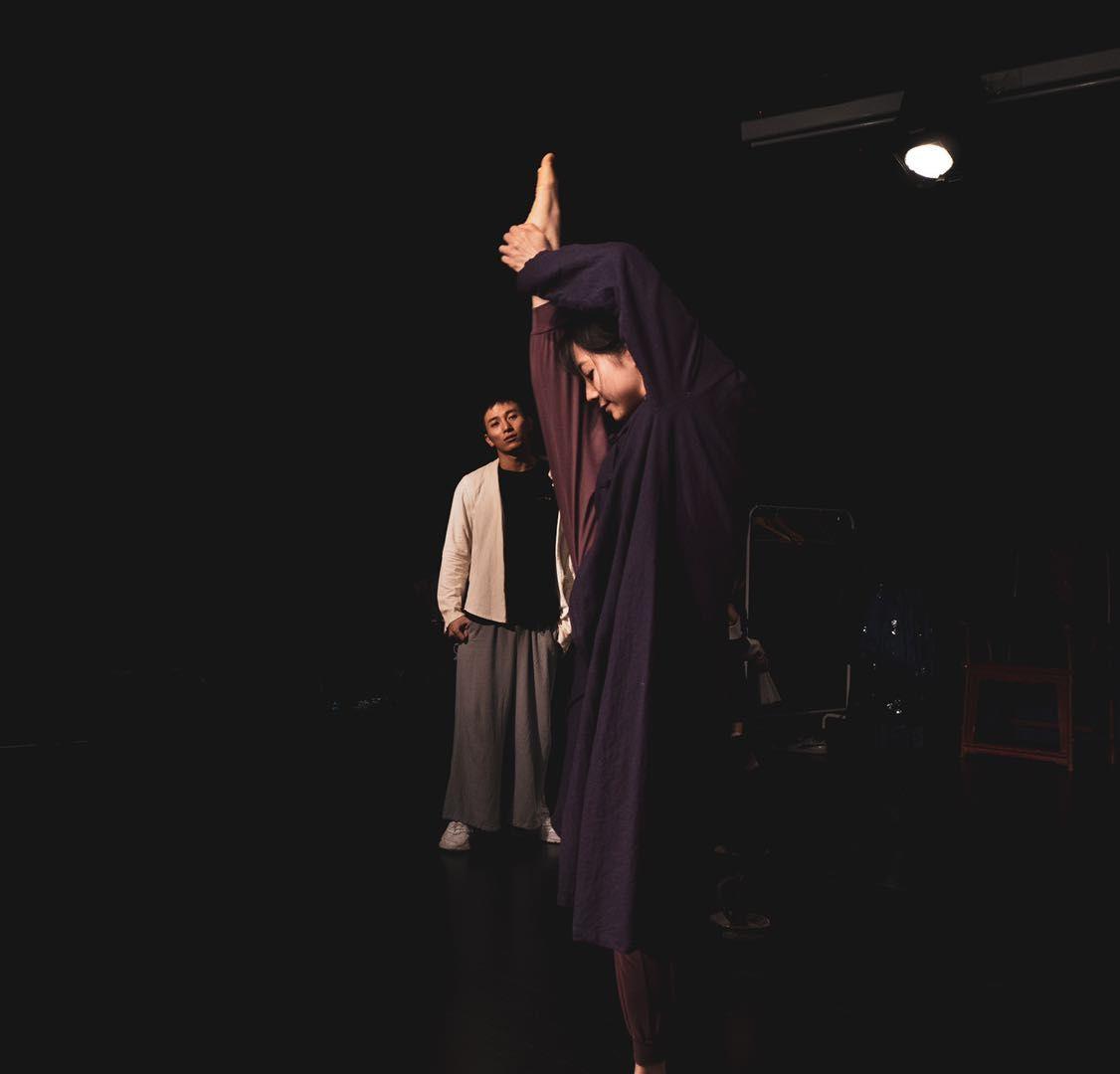 [杏悦]中间剧场8机位首次杏悦探索线上戏图片