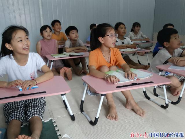 """河南沈丘县:""""巧媳妇基地+儿童之家""""让留守妇女打工带娃两不误"""