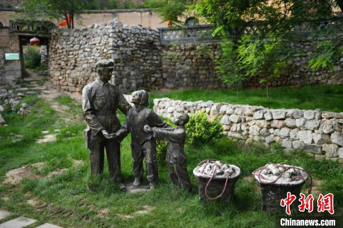 店子底村旅游产业是将革命传统教育、红色文化、红色旅游体验及采摘融为一体的乡村旅游。 武俊杰 摄