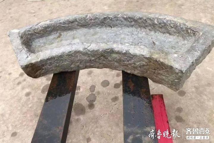 清代青石随形扇面养鱼槽
