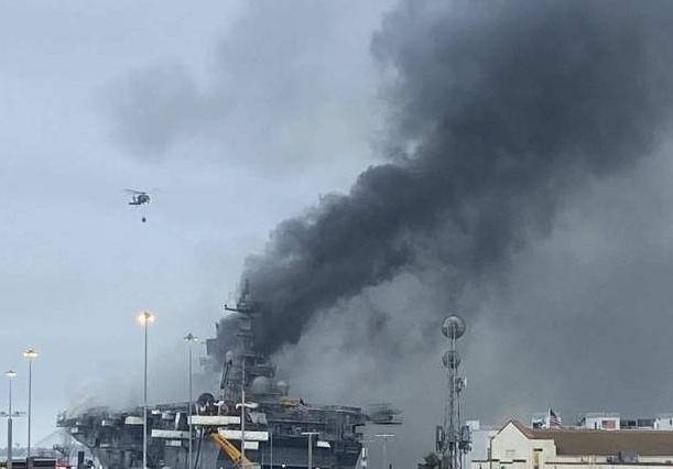 空气包含大量有害物质!美航母释放毒气 遭民众质疑