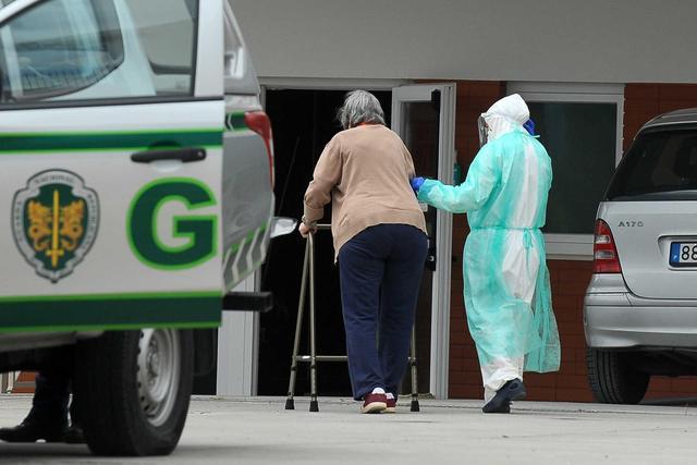葡萄牙一养老院发生聚集性感染 45位老人确诊