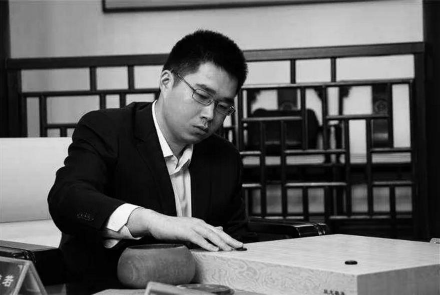 著名职业围棋手范蕴若去世,上海市围棋协会发讣告,证实他生前患抑郁症