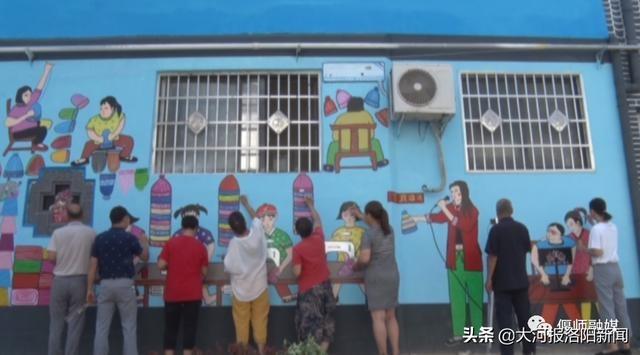 放下锄头拿起画笔,村民自建书画社描绘家乡