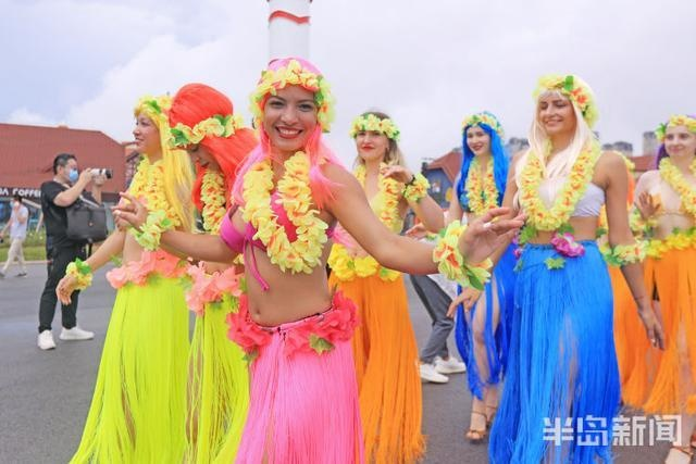 巴西草裙舞、非洲鼓表演、时装秀 金沙滩啤酒城最炫异域风来袭