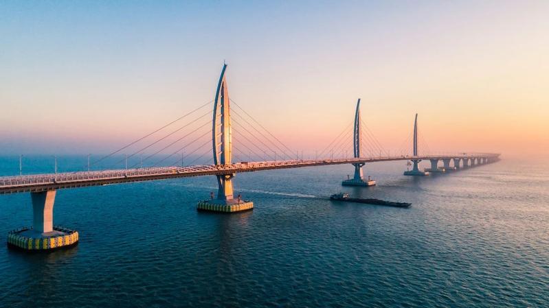威水!港珠澳大桥喜擒国际桥梁工程界最高奖