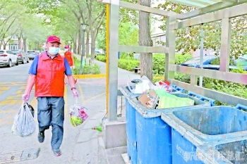 【统筹推进疫情防控和经济社会发展】退役军人志愿者 社区防疫服务忙