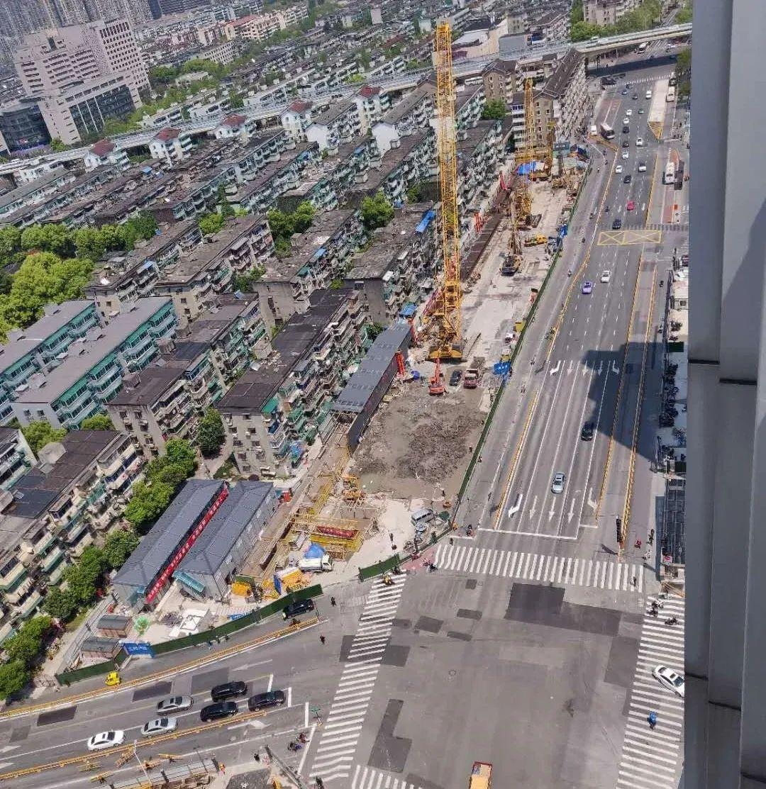 机场轨道快线新进展!明起中山北路部分路段单行、禁左;沈塘桥站二期开始施工