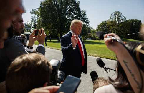 美国总统特朗普通过推特建议推迟总统大选遭到各界批评