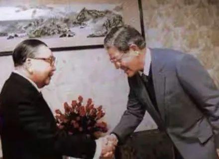 蒋经国与李登辉(图源:网络)