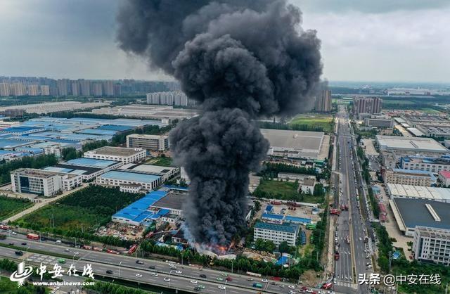 合肥一食品厂火灾后续:明火被扑灭 无人员伤亡「图」